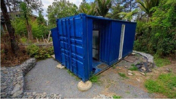 Žena  přeměnila nakládací kontejner na malý dům: teď jí jen závidí