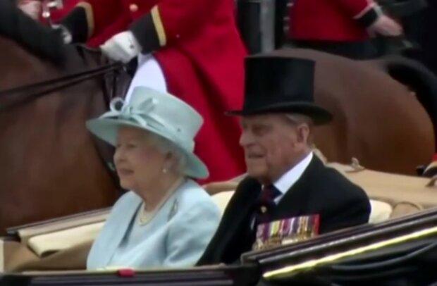 Královna Alžběta II. a princ Philip. Foto: snímek obrazovky YouTube